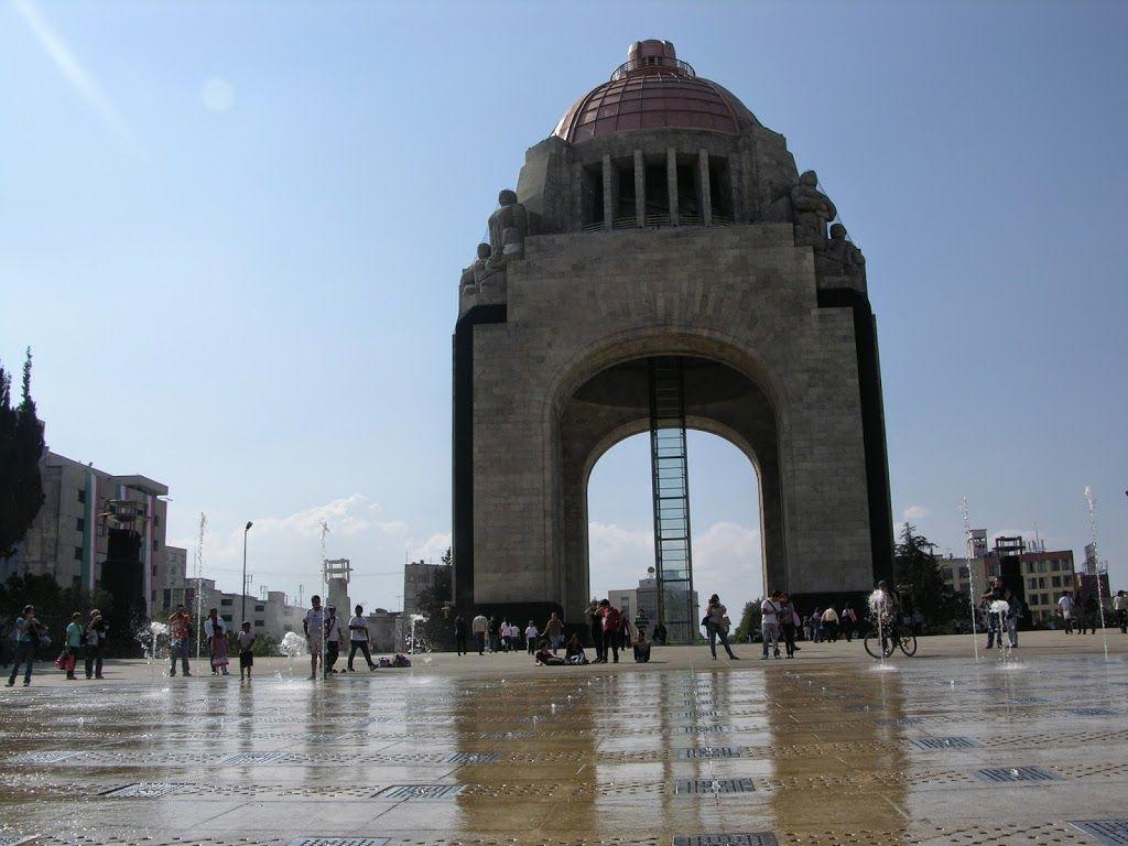 Conoce el monumento a la Revolución 4